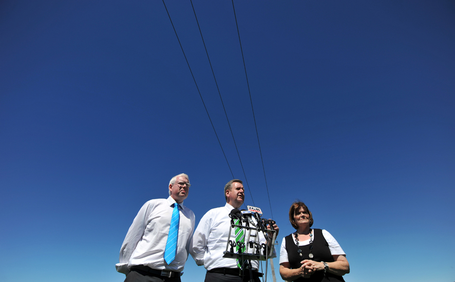 Former NSW Premier Barry O'Farrell makes an announcement about the Princes Highway just south of Kiama.